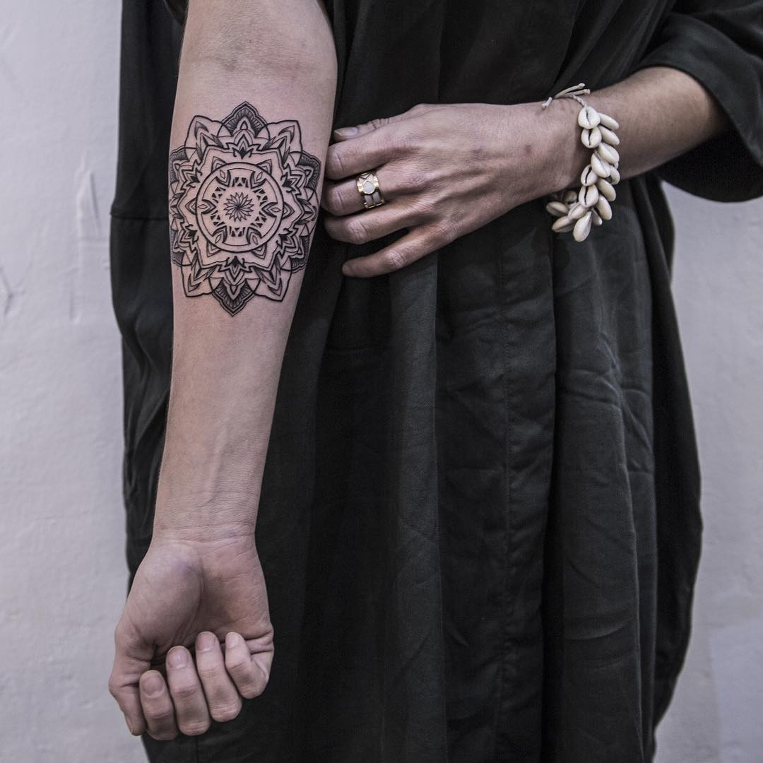 Fineline mandala tattoo by Remy B