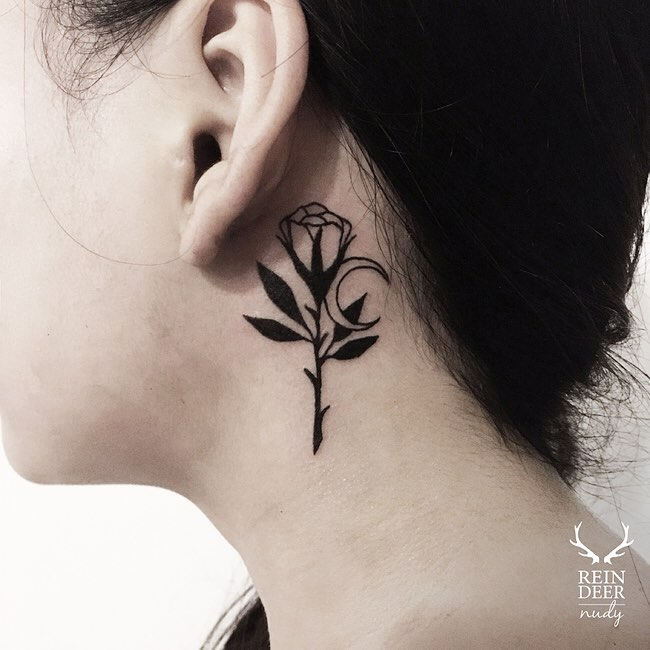 Flower and moon tattoo by Nudy tattooer
