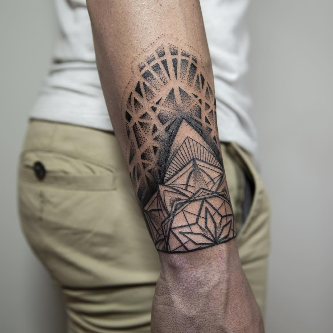 Geometric ornament by Remy B