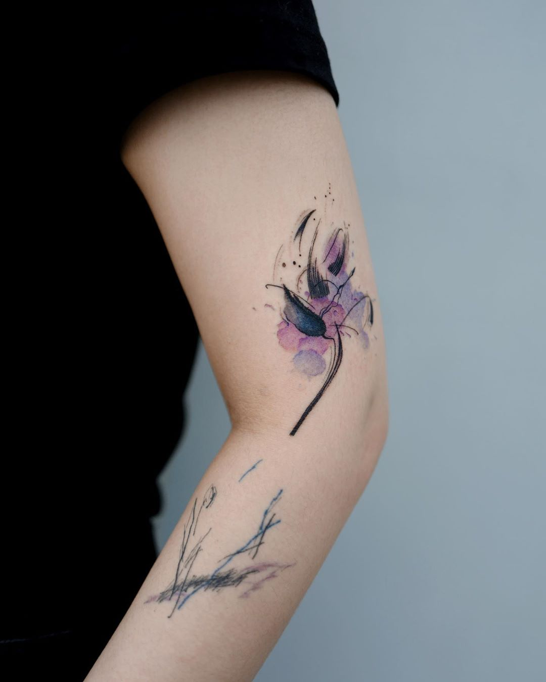 Shaky blooming flower tattoo by Studio Bysol