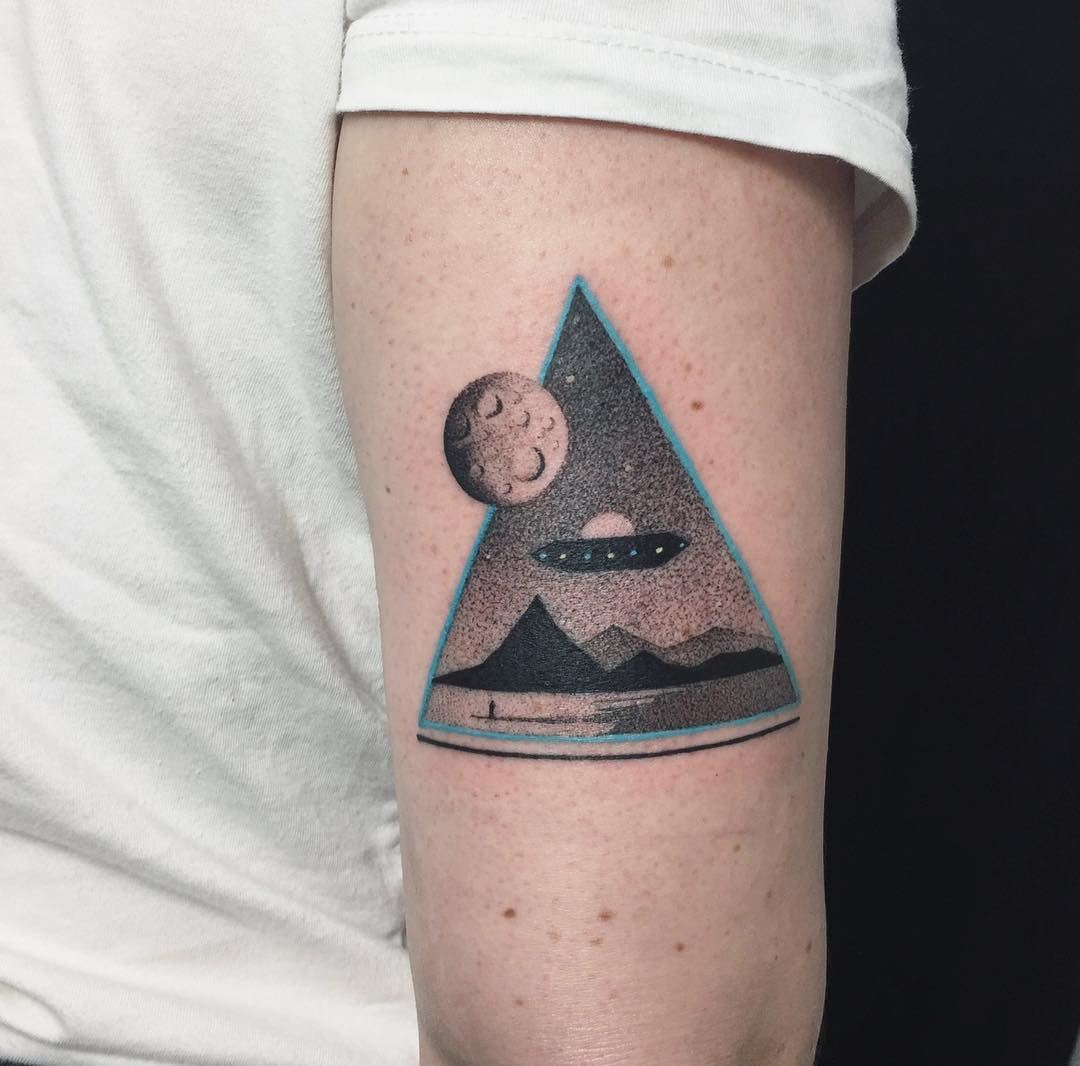 UFO tattoo by Aga Kura