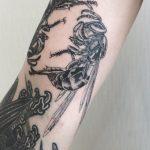 Wasp tattoo by tattooist Oozy