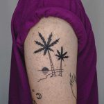 Calm tree by tattooist Bongkee