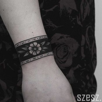 Floral bracelet by Krzysztof Szeszko