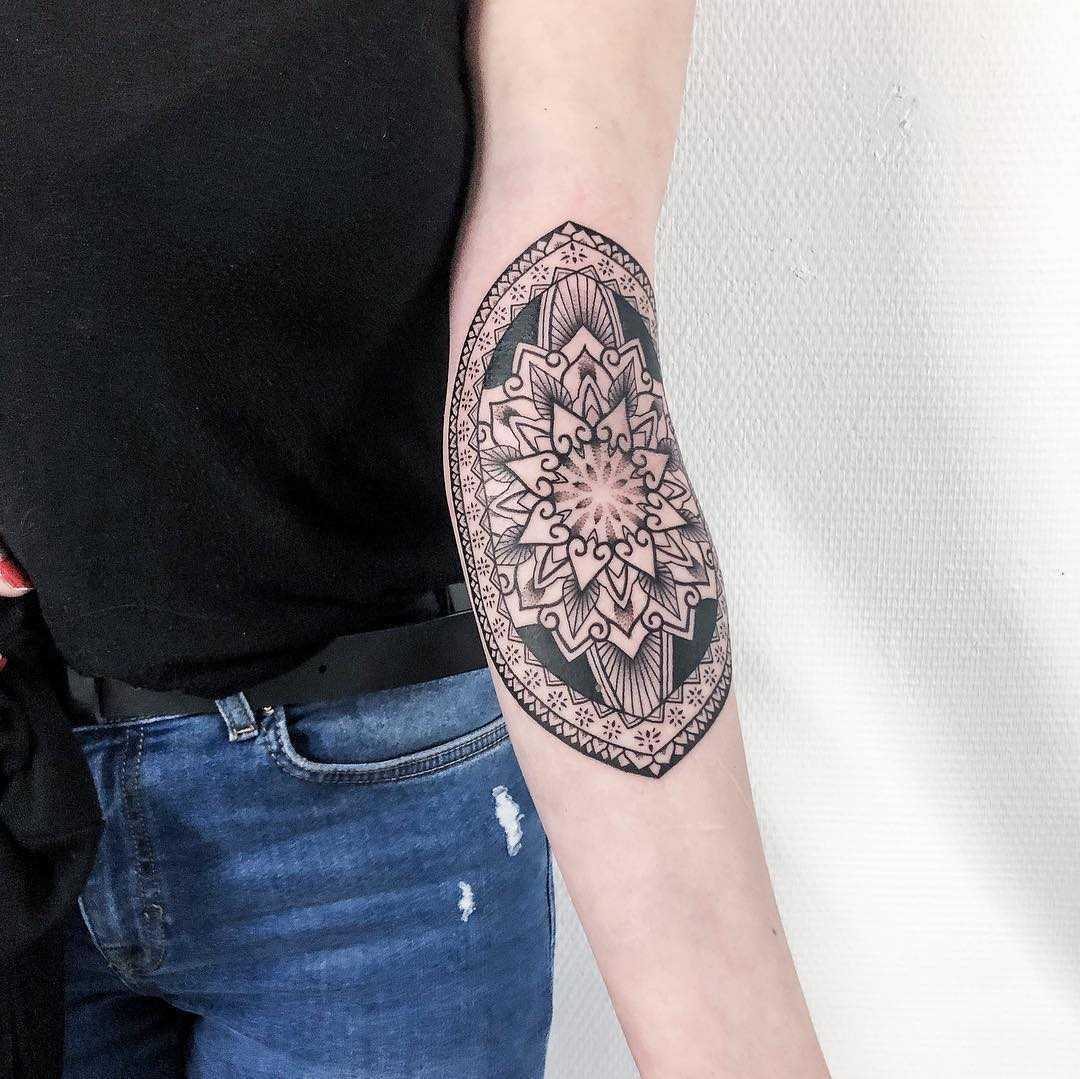 Ornamental inner elbow by Remy B