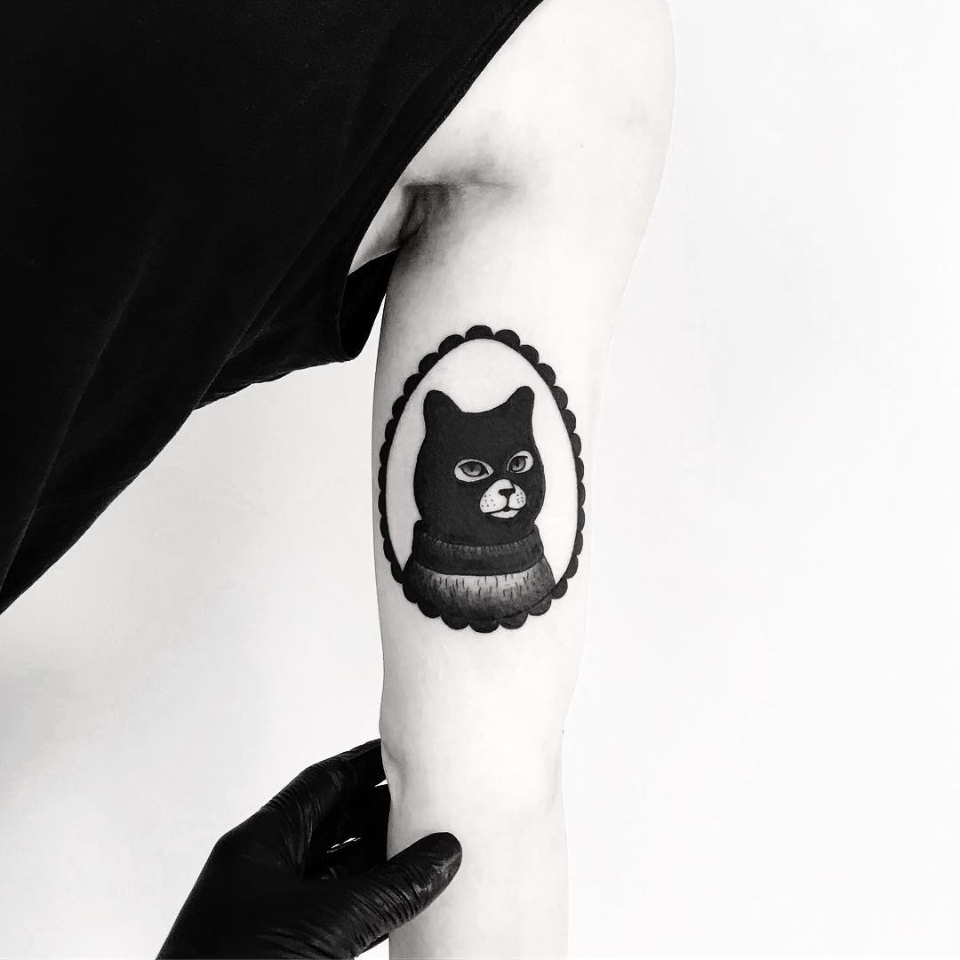 Serial Cuddler by tattooist pokeeeeeeeoh