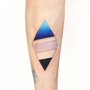 Abstract rhombus by tattooist Ida