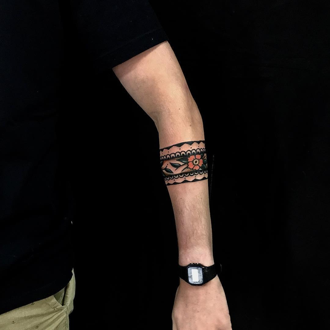 Beautiful rose armband by rocotatt