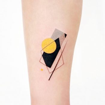 Black and yellow abstractions by tattooist Ida