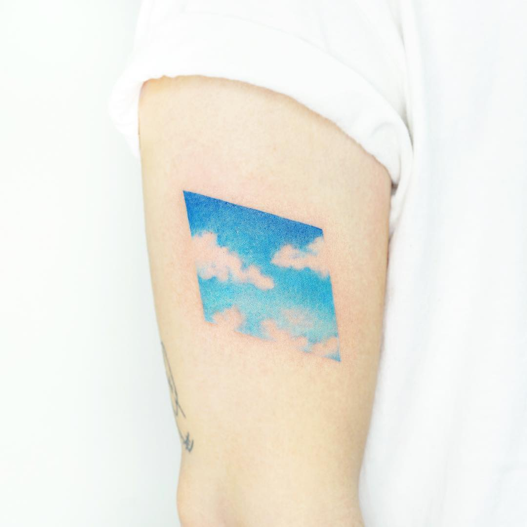 Blue sky by tattooist Ida