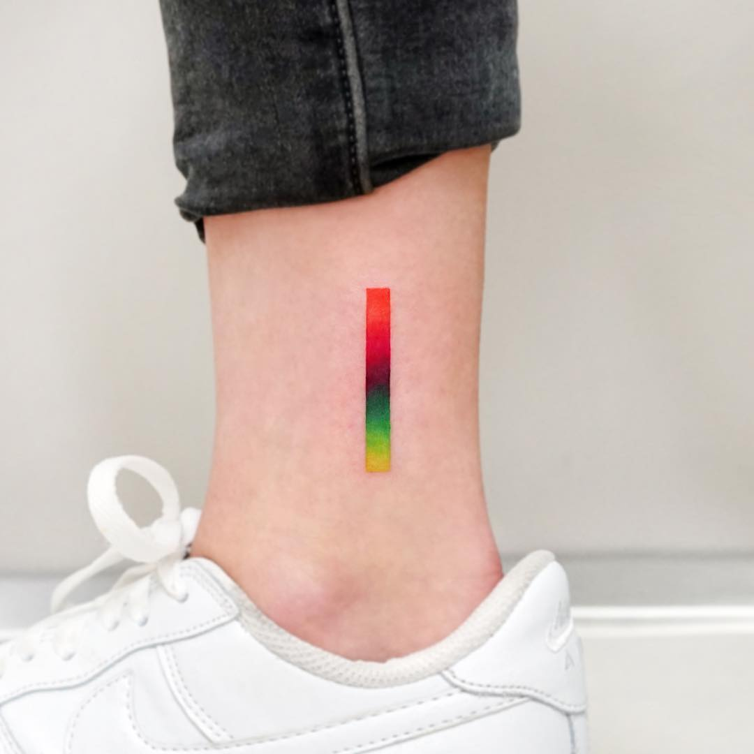 Color gradation by tattooist Ida