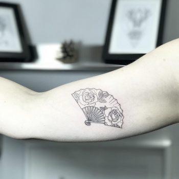 Rose fan by Sara Kori