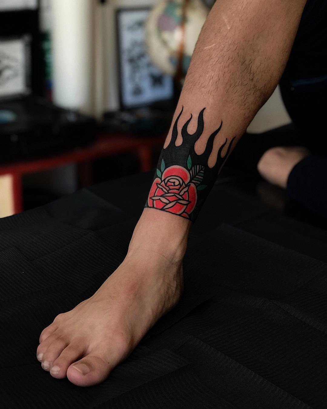 Rose on fire by tattooist Alejo GMZ