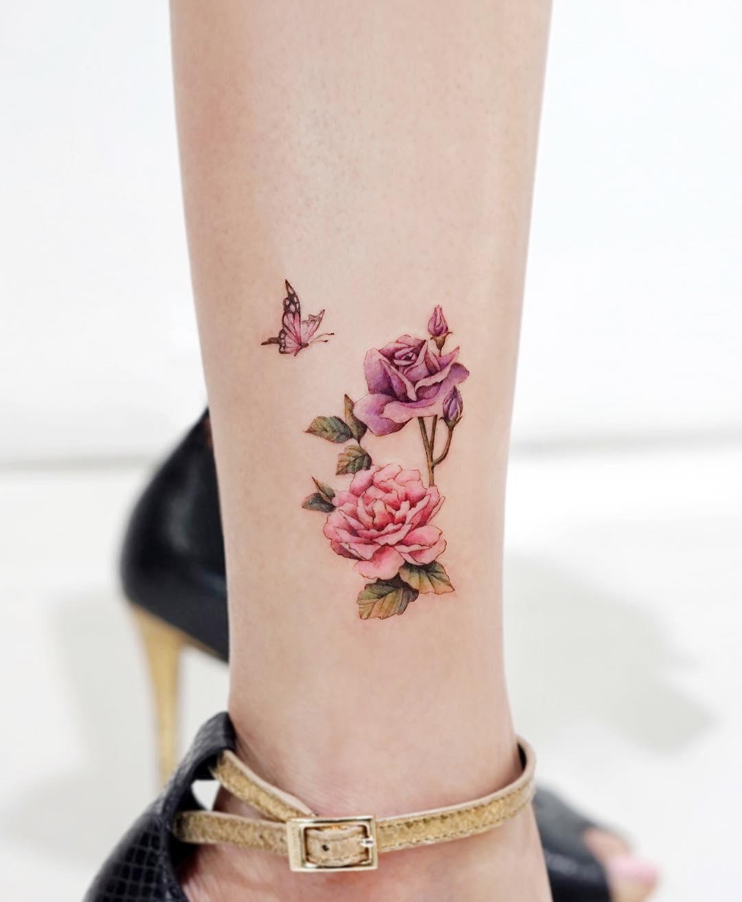 Roses by tattooist Ida