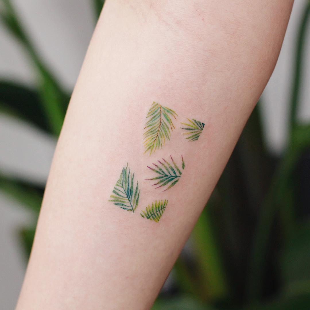 Tropical leaves by tattooist Saegeem