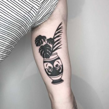 Vase with monstera by Rich Sinner