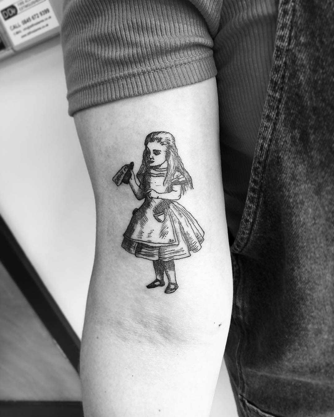 Vintage Alice In Wonderland illustration by Jake Harry Ditchfield
