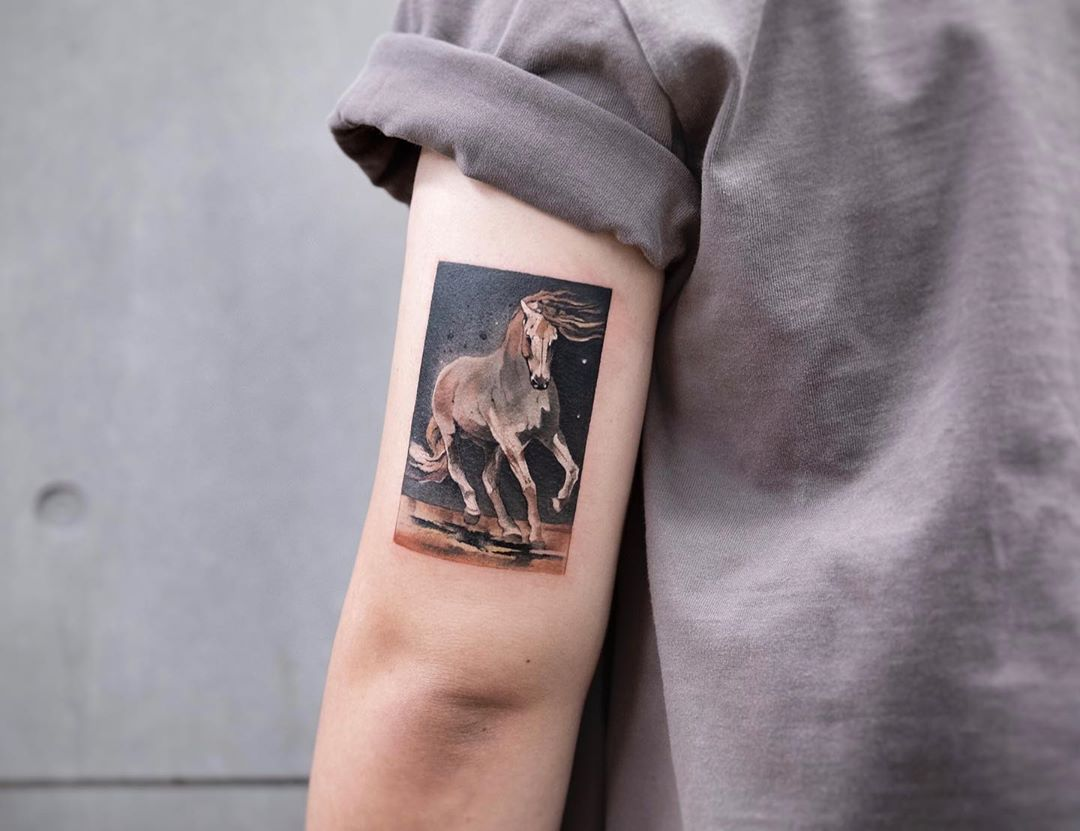 Watercolor horse by tattooist Chenjie