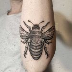 Bee on the left forearm by tattooist rodmaztattt