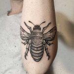 Bee on the left forearm by tattooist rodmaztattt