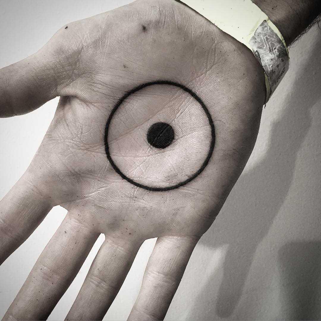 Eyeball by tattooist MAIC