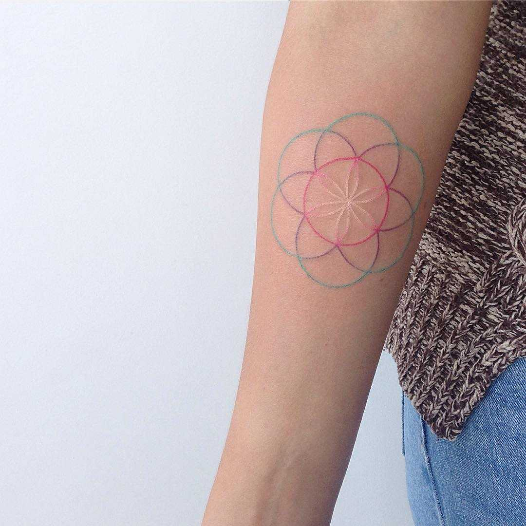 Hand-poked geometry by Yaroslav Putyata