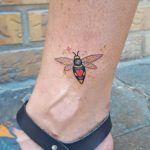 Heart bee by @silly_girl_tatts