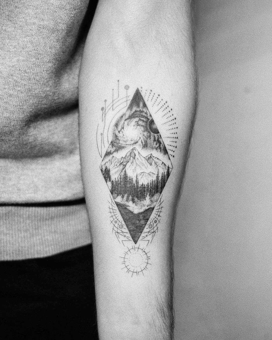 Mountain in a rhombus by Evgenii Andriu