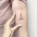 Singleline boat by Sara Kori