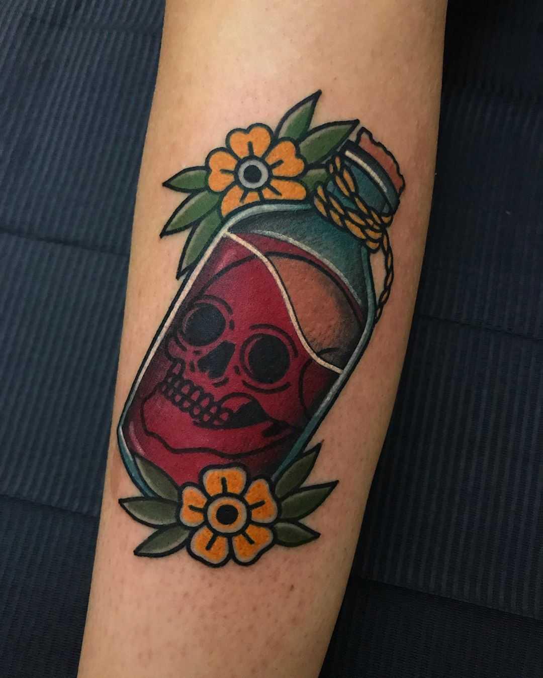 Skull potion ️by tattooist Alejo GMZ