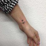 Tiny anchor by @skrzyniarz_