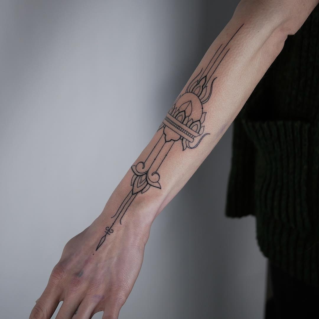 Beautiful tattoo by @hala.chaya