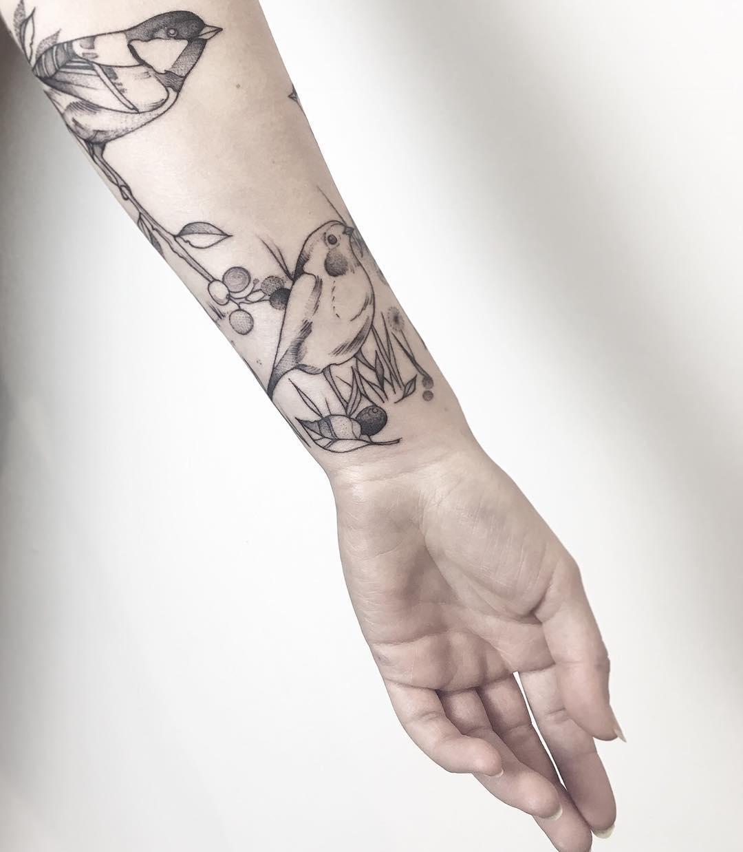 Birds on a forearm by @mariafernandeztattoo