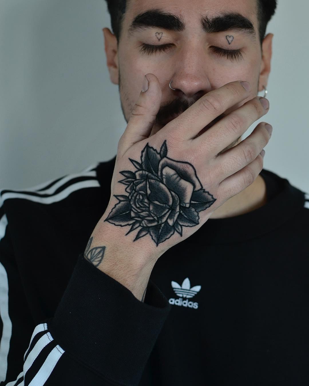 Blackwork rose by @tototatuer