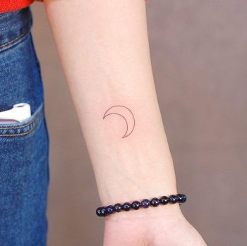 Crescent moon by @wittybutton_tattoo