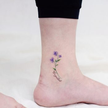 Crystal birth flower by @vane.tattoo_