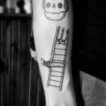 Cutting a ladder by @kazisvet_