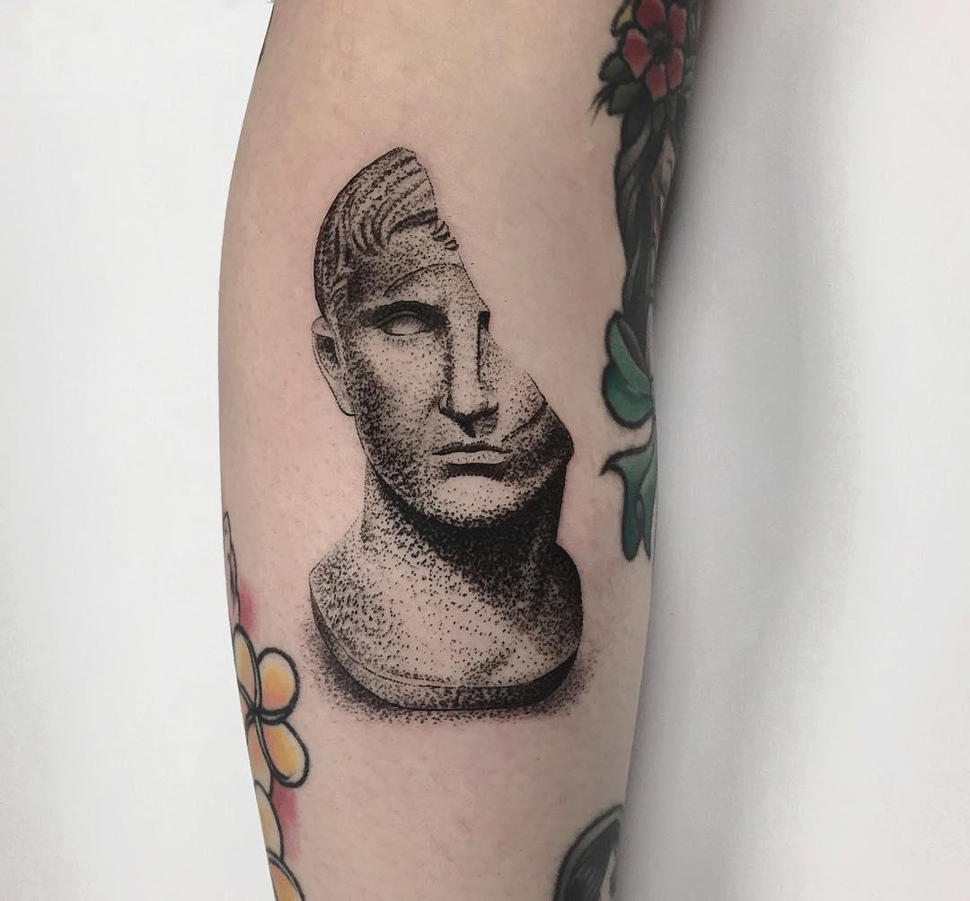 Dot-work bust by @charley_gerardin