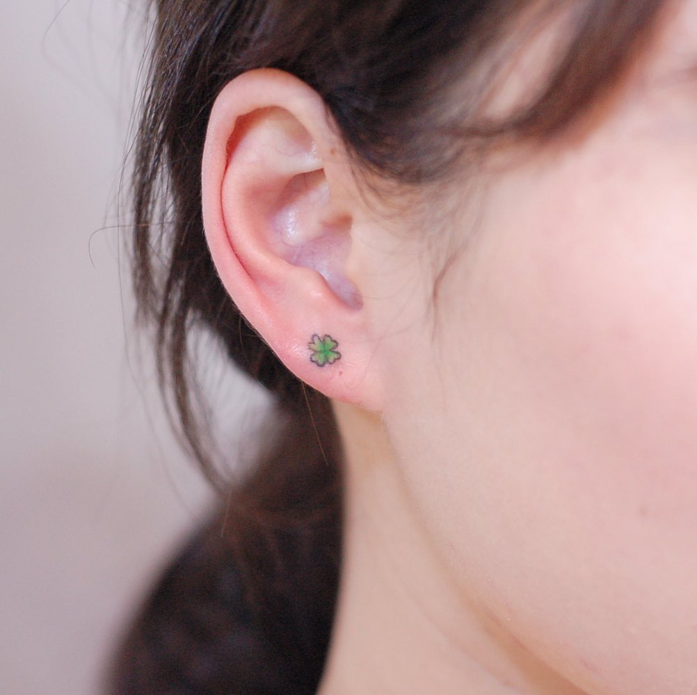 Four-leaf clover by @wittybutton_tattoo