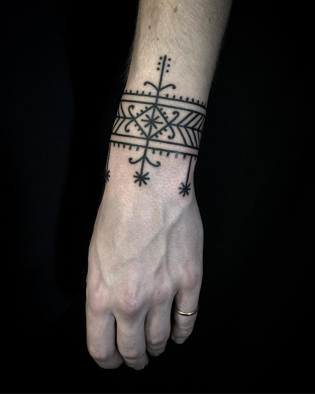 Freehand bracelet by @ryanjessiman