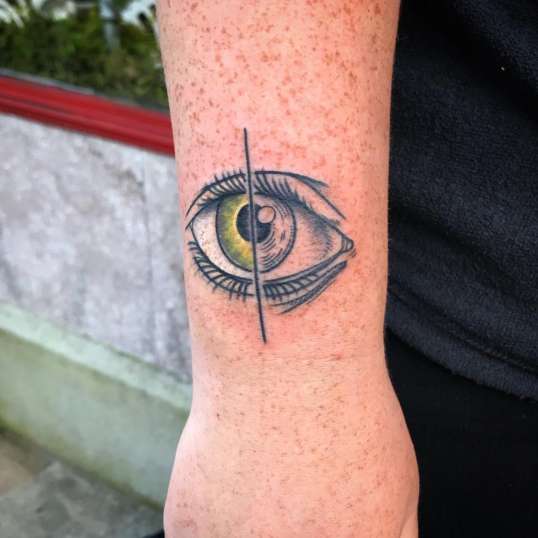 Half color half linework eye by @patcrump