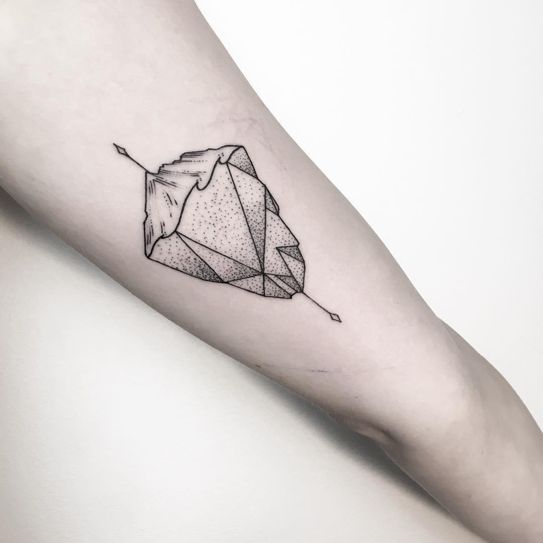 Iceberg by @mariafernandeztattoo