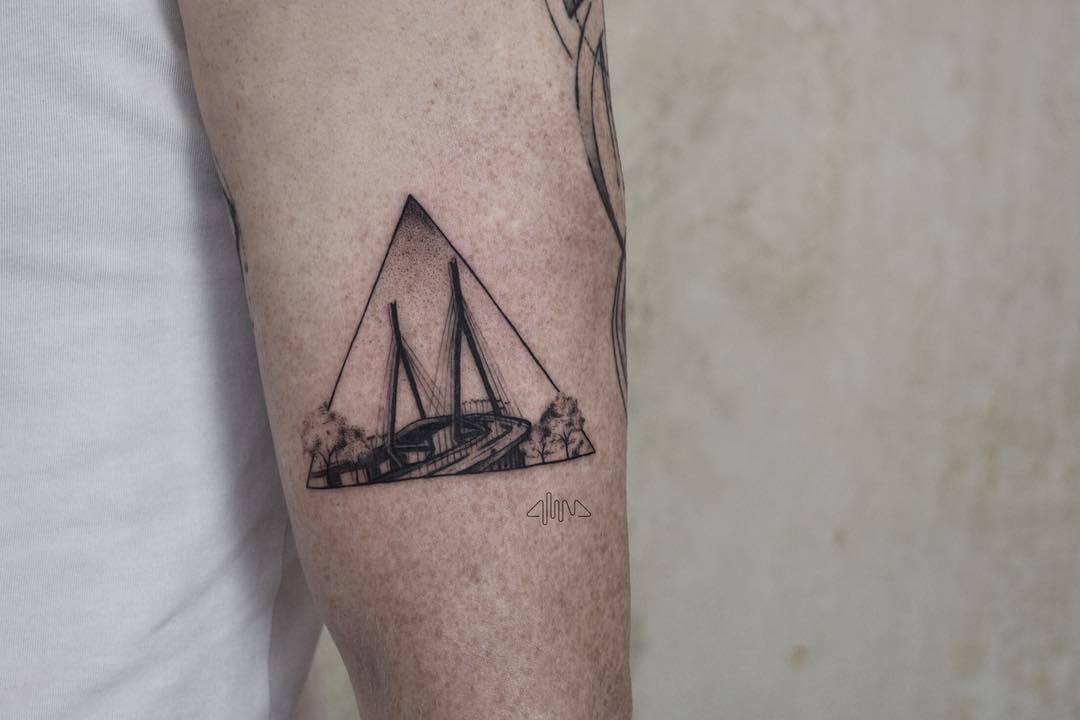 Köhlbrandbrücke tattoo by @alinabaertattoo