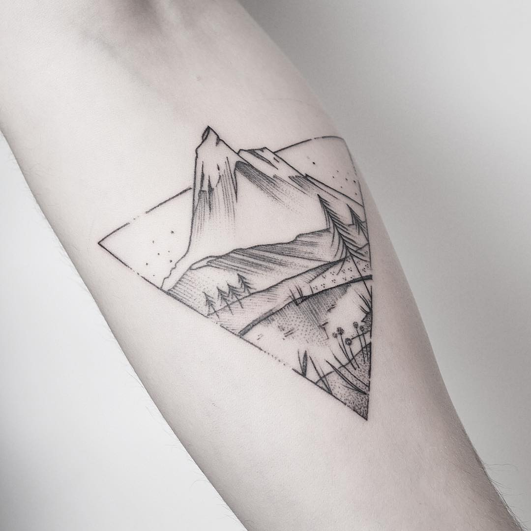 Mountain in a triangle by @mariafernandeztattoo