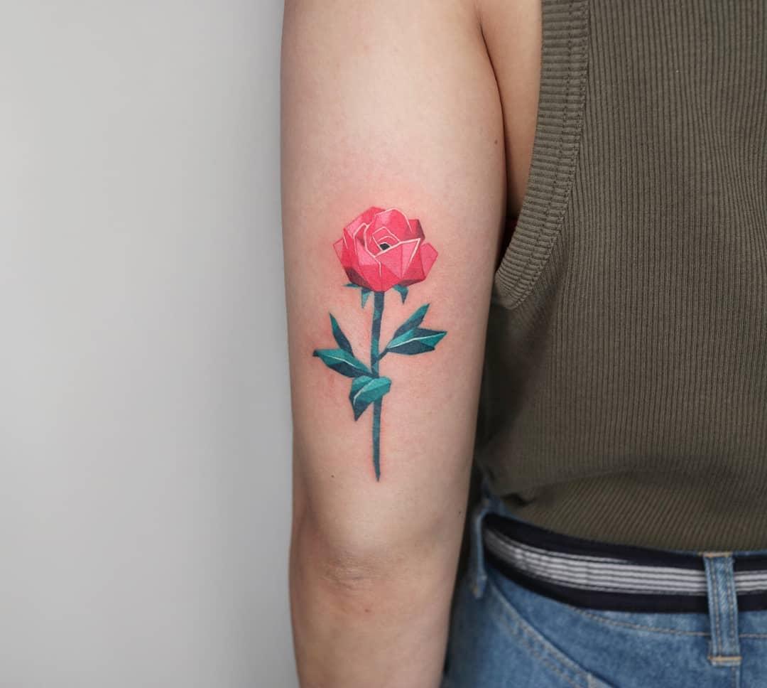 Red polygonal rose by @polyc_sj