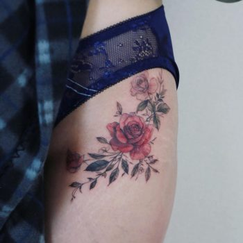 Roses on a hip by @tattooist_flower