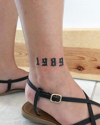 1989 tattoo by @soychapa