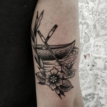 Black canoe by @rabtattoo