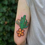 Cactus by @lindseebeetattoo