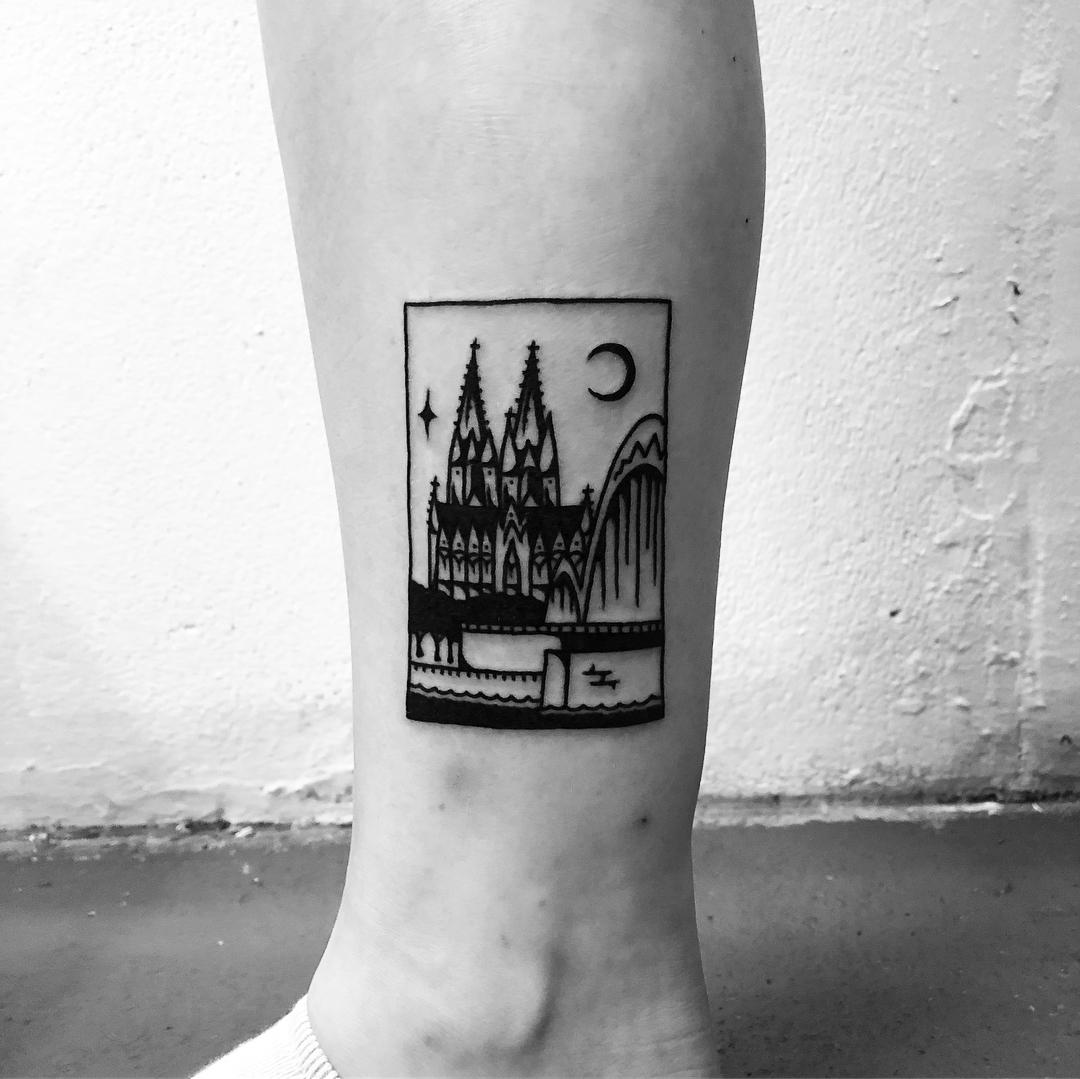 Cologne Cathedral tattoo by @alexbergertattoo